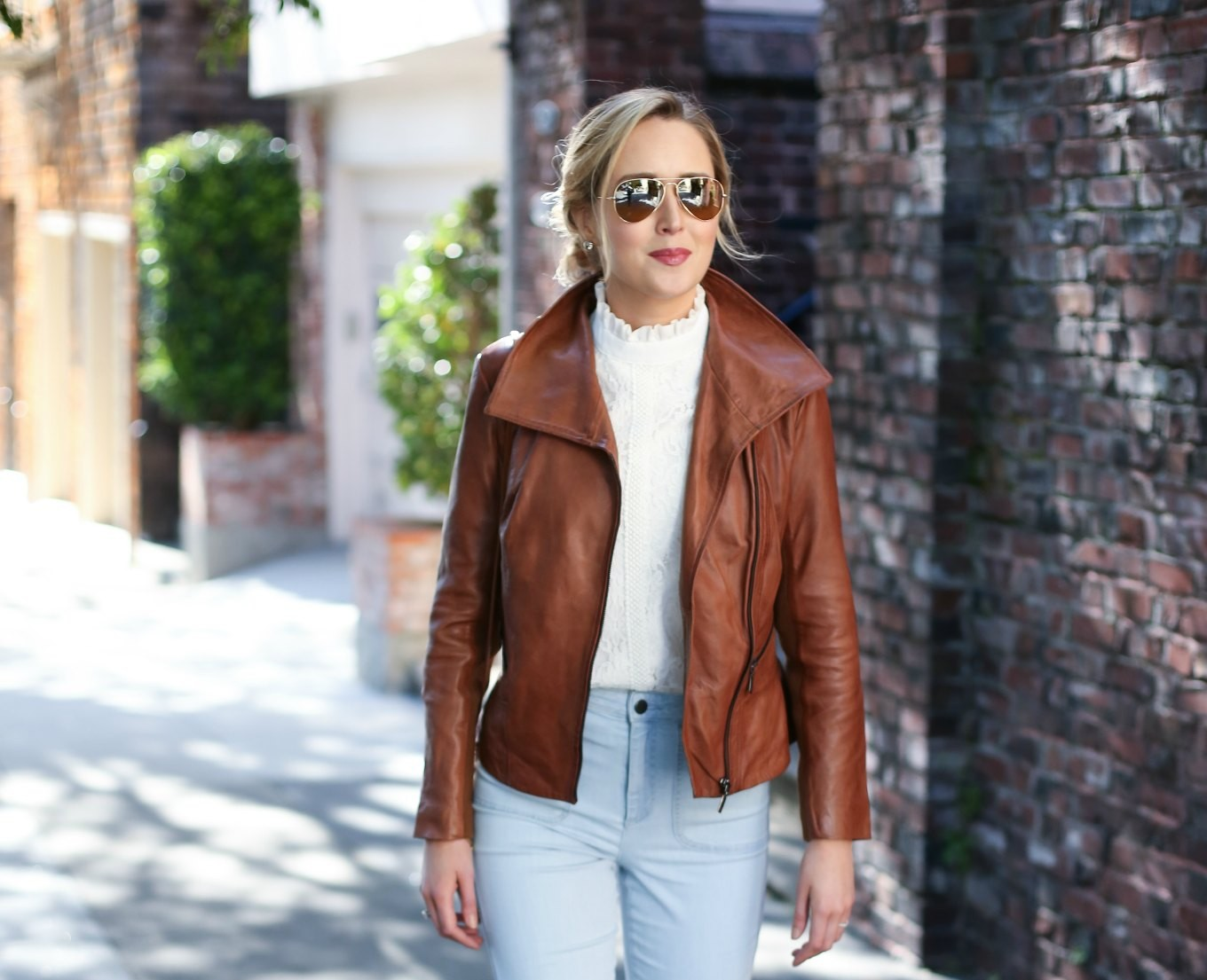 lace-mock-neck-top-alice-olivia-braid-belt-flare-leg-light-wash-jeans-brown-leather-jacket-messy-bun-san-francisco-style-fashion-blog-mary-orton2-680x5532x