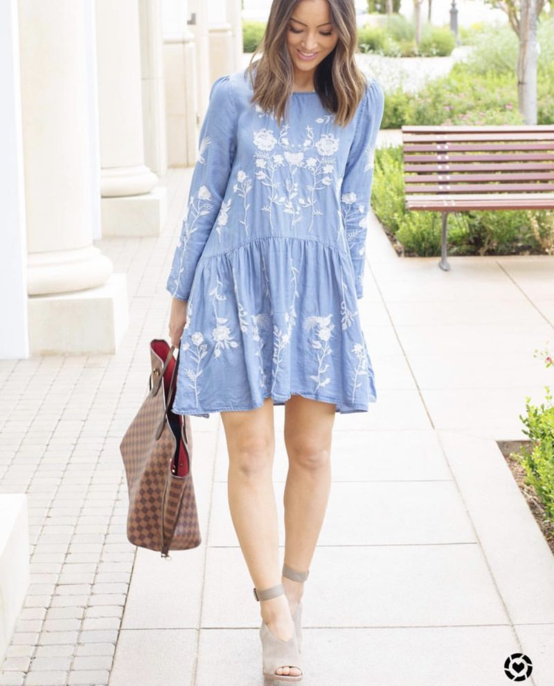 blogger's casual outfit chambray dress